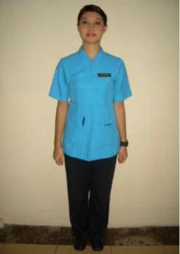 Standar Grooming Room Attendant terlihat seluruh badan